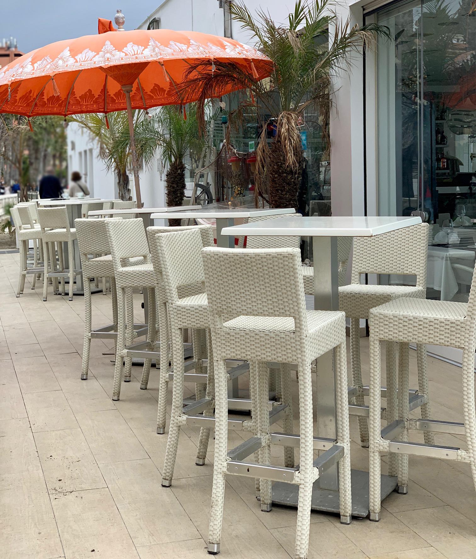 instalacion-banqueta-toscana-con-respaldo
