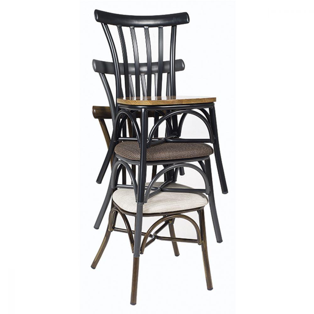 portico-silla-apiladas