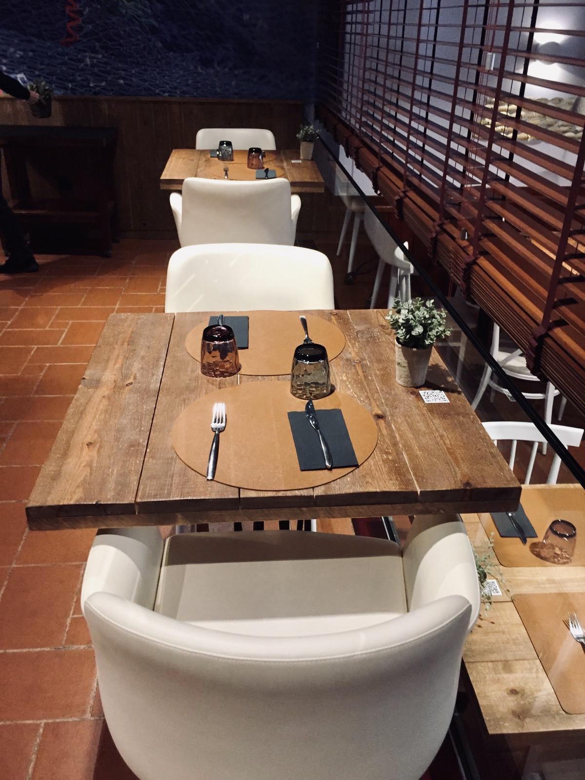 Instalación lugano tapizado en P.U. skay blanco REYMA